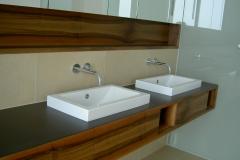 2008-badezimmer-nuss
