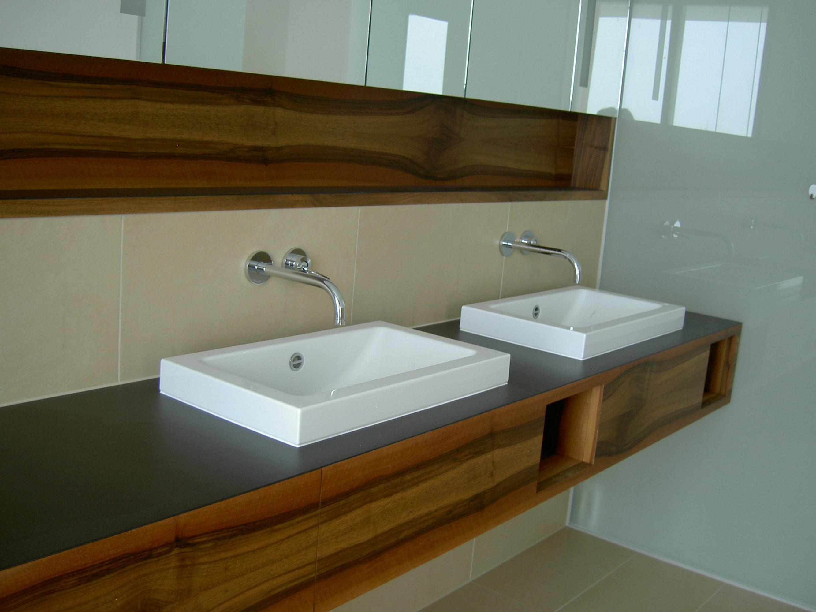 Badezimmer d r naturholzm bel tischlerei d r raimund - Badezimmer tisch ...